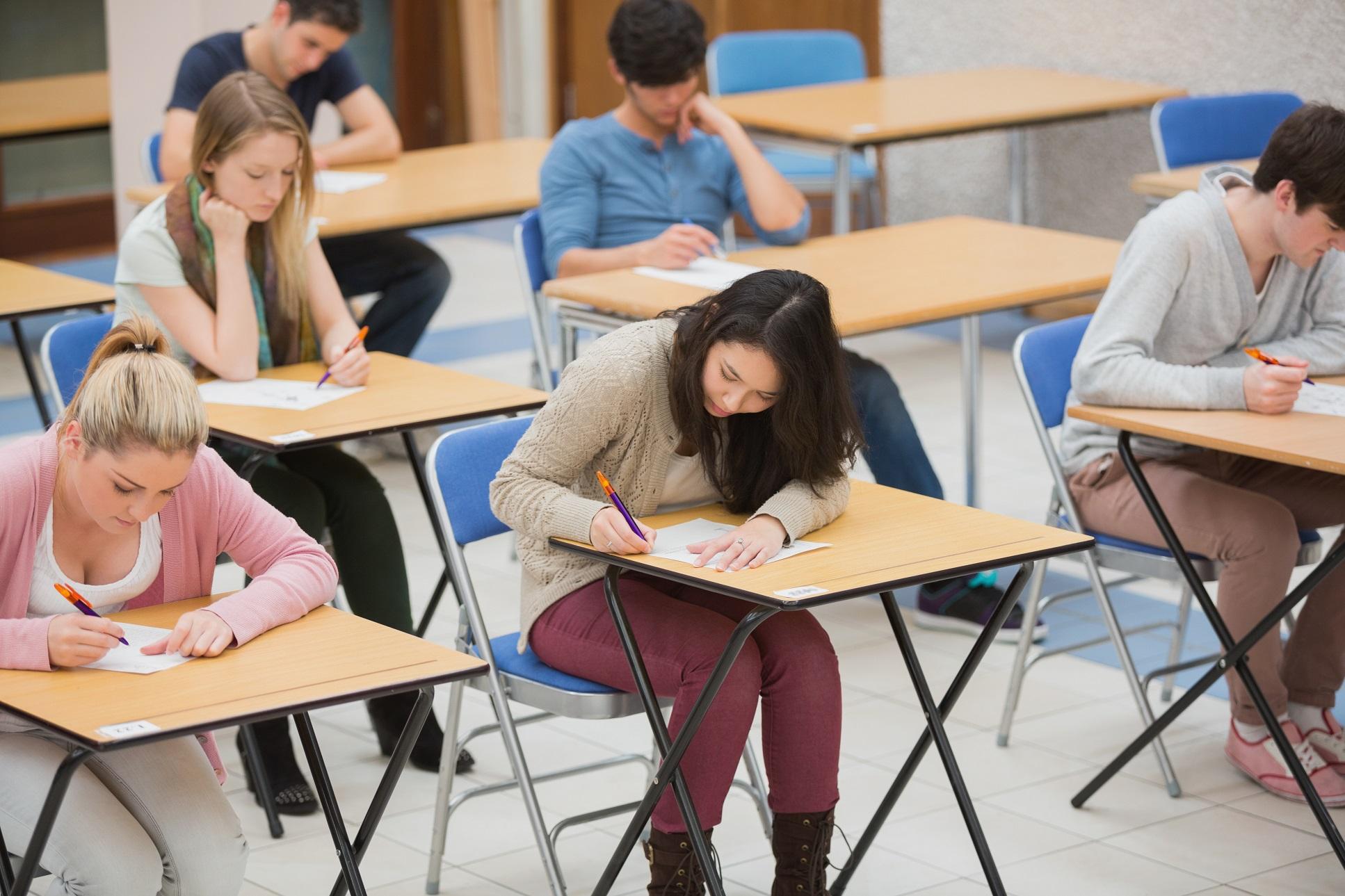 Студентки на экзамене онлайн 22 фотография