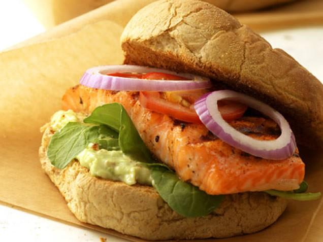 cajun-salmon-burger