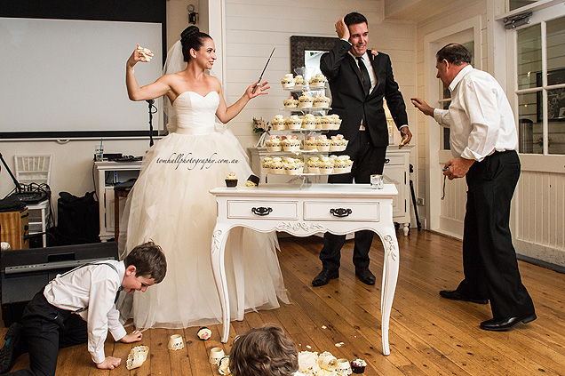 wedding cake disaster photos wedding disaster there goes the cake mamamia 22525